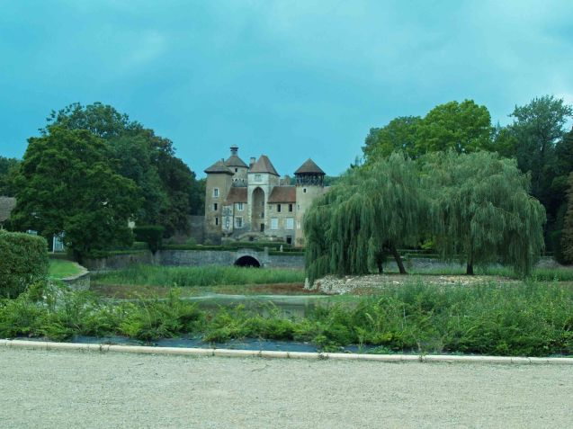 A random chateau somewhere south west of Montigny-le-Roi, eastern France