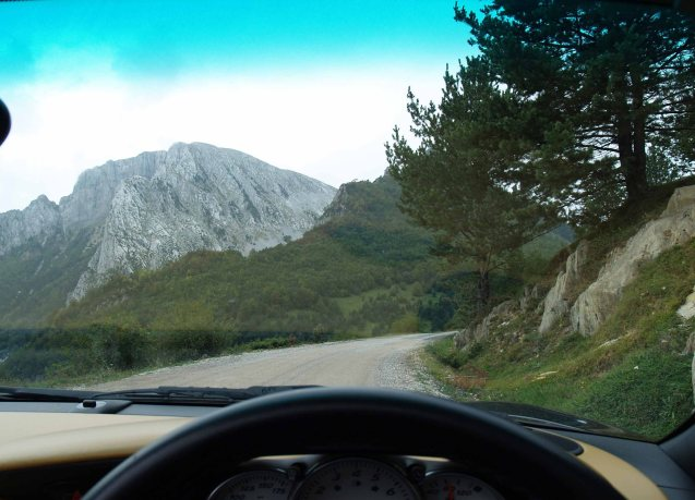 Random pic: lost in the Pyrenees. Really lost.