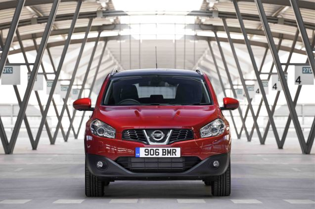 """A new spec Nissan Qashqai - including the all-important panoramic sunroof as standard - has got the thumbs up from Autocar. Available in all engine and transmission combinations, the new 360 trim also includes 18"""" wheel, part leather trim and privacy glass. Prices start at £23,400. The only thing you cannot have is Xenon lights."""