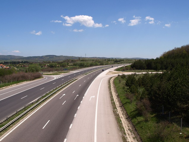 Vakarel-Panagyurishte junction, 24 miles from Sofia on the Trakia Highway © Edal Anton Lefterov