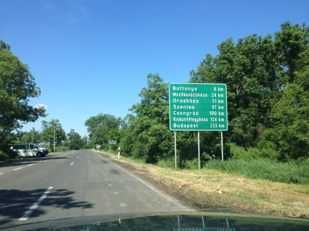 We were headed for the Nadlac border point, the 'gateway to Western Europe', but a hand written sign to Budapest sees us divert to the sleepy Turnu crossing instead. Advantage: no queues. Disadvantage: nowhere to buy the vignette you need for driving on Hungary's motorways. Result: a gentle drive through the countryside. Did you know 49.5% of Hungary is arable farming land, one of the highest proportions in the world?