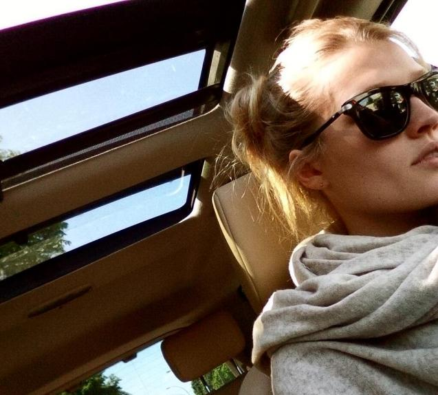 German supermodel - and new girlfriend of film star Leonardo di Caprio - Toni Garrn managed a few hours in sunny Hamburg and her, sadly otherwise under-utilised, Land Rover Freelander 2 last week. © Toni Garrn/ Twitter @RealToniGarrn.
