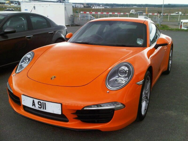 Any excuse to feature a 911: but this car with that number plate has driven the 650km to Le Mans at an average 36mpg according to @PorscheGB_PR. Impressive.
