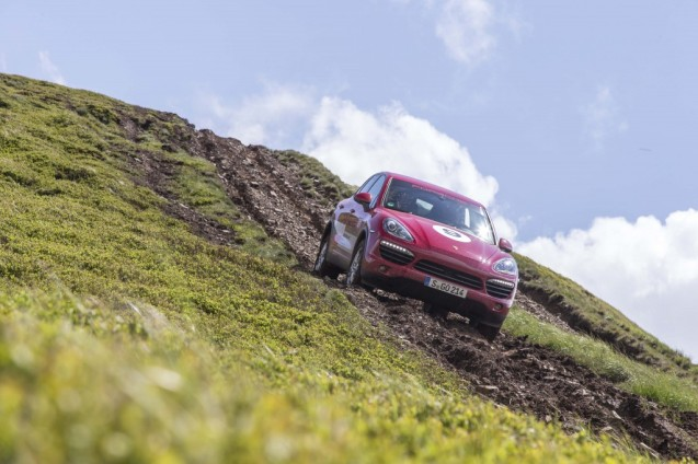 ...descending. The Cayenne might be an archetypal luxury SUV but clearly it's not daunted by the rough stuff.