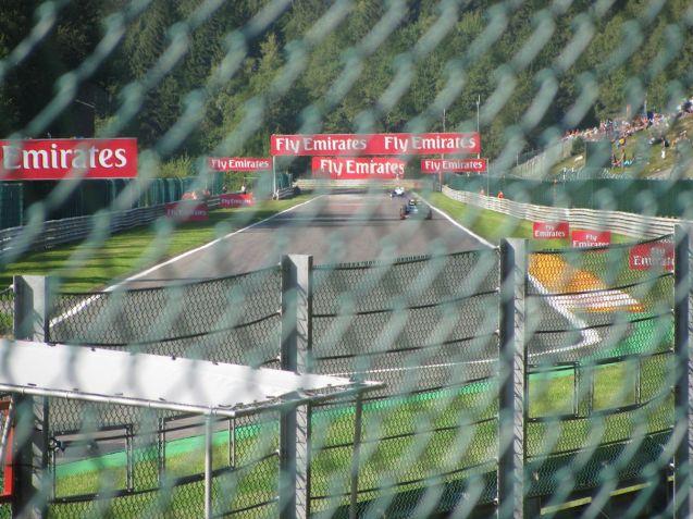 GP2 cars heading up the Kemmel straight.