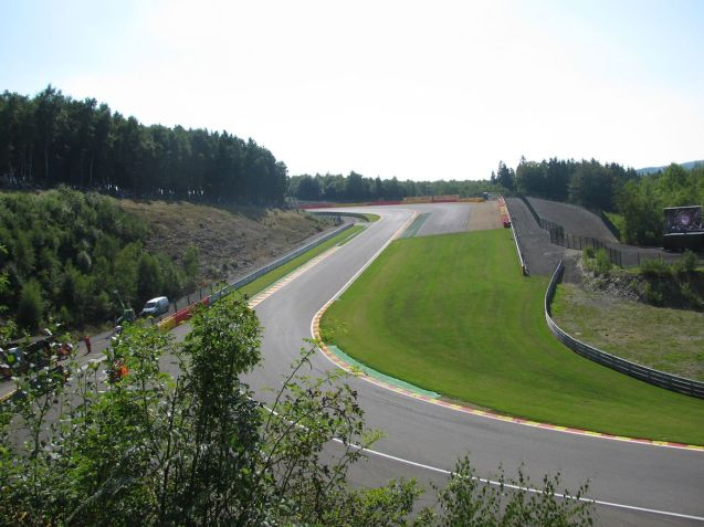 fantastic sweeping views of the crcuit from high - too igh sometimes - banking surrounding much of the circuit.