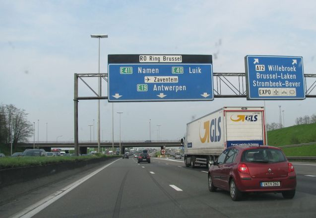 A typical scene on Brussels' R0 Ring Road.