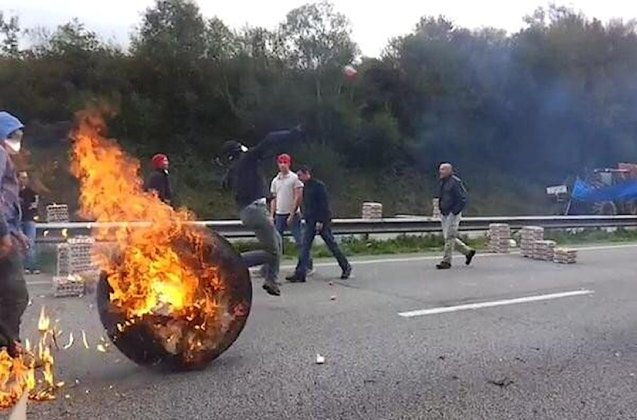 Brittany: Violent demonstrations on Saturday have seen truck toll system Ecotax 'suspended indefinitely'.