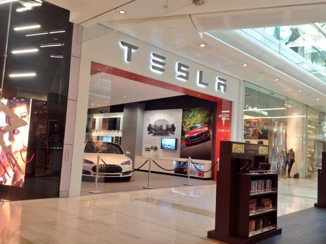 Tesla opens its first UK dealership tonight, at the Westgate Shopping Centre in White City, London. We understand that Elon Musk himself will be there, no doubt with at least one newsable line...