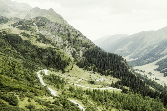 Gradient apart, Turracherhohe is not a typical hairpin strewn mountain pass road. @ParaboliqueUK who drove it earlier this year on an epic 4,000 mile trip around central and west Europe describes this road as, 'arguably the finest of the whole trip… mindblowing and very, very fast. The uphill section is wonderful and the downhill mile upon mile of fast sweeping S bends.' All in all it sounds like Turracherhohe is worth putting on the list.