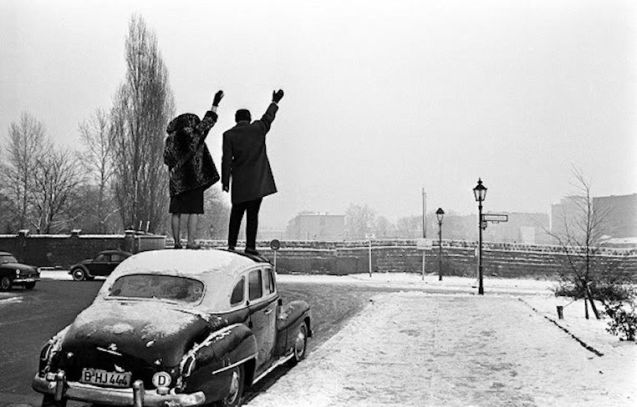 Berlin Wall, Christmas 1961.