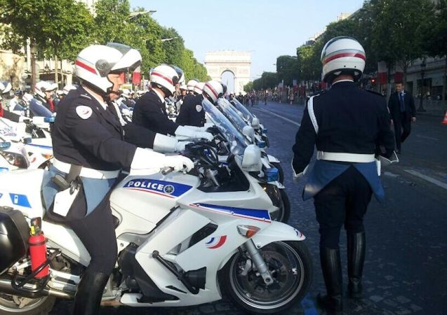 French police stake out a well known accident hotspot.