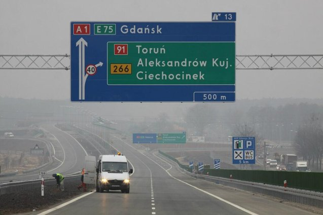 Poland: the motorway network has more than doubled since 2007, to 2,759km of fast roads today reports @WhyEmergingEuro