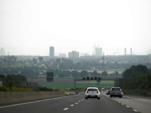 The A4 doesn't open out until you're within sight of Cologne. Photo @DriveEurope.