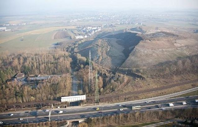 A landslide closed the A4 in Luxembourg for a time yesterday.