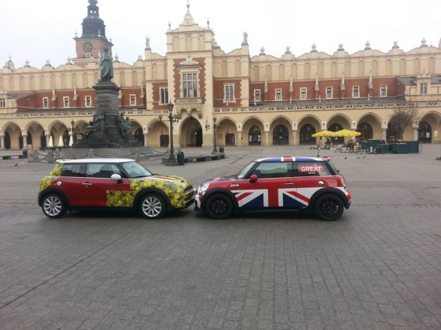 Old and new Minis meet in central Krakow this morning, part of a UK trade mission starting today. Much is made about how much modern Minis have grown. At least the latest version is slightly lower than the previous model.