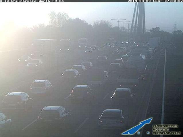 a65 rheinbrucke traffic