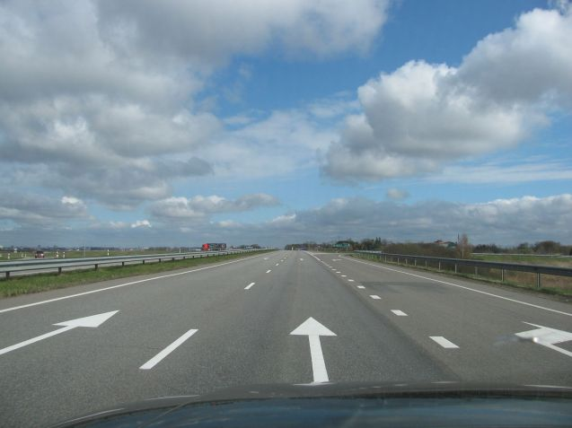 A brief stretch of dual carriageway heading into Panevezys