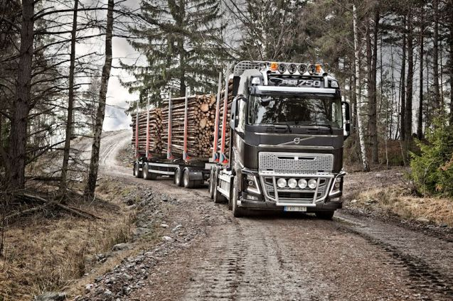 The new Volvo FH16 Euro 6: 750bhp, 3550Nm torque. 'The most powerful production truck in the world'. More later.