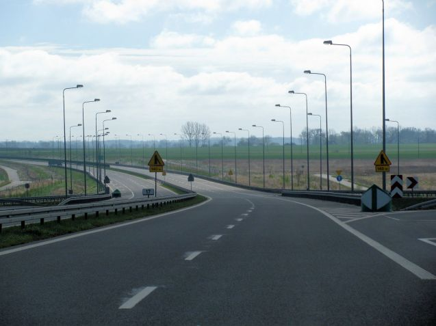 Lovely, smooth fresh tarmac dual carriageway all too soon giving way to...