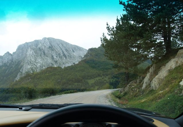 Free driving in the Pyrenees