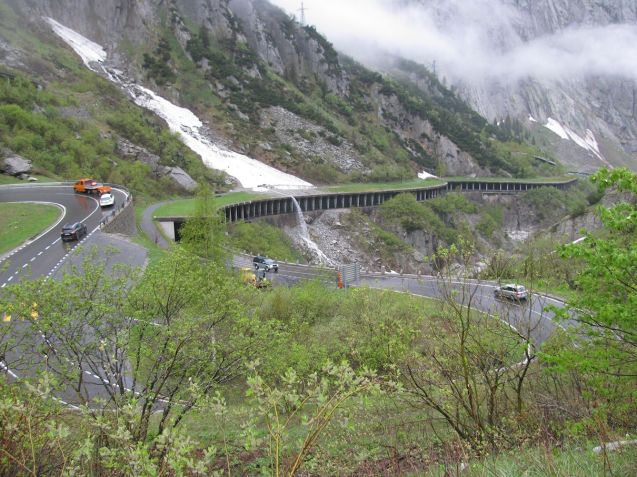 The road (H2) from Goschenen to Andermatt winds up the funnelling, sheer granite walled Schollenen Gorge (extensive road works will be in place until 2019 though they are suspended during summer weekends).