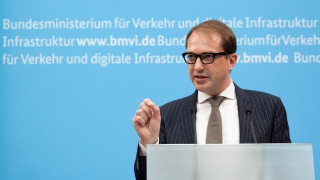 Alexander Dobrindt spells out the details of the German 'foreigner vignette'. Photo via bmvi.de