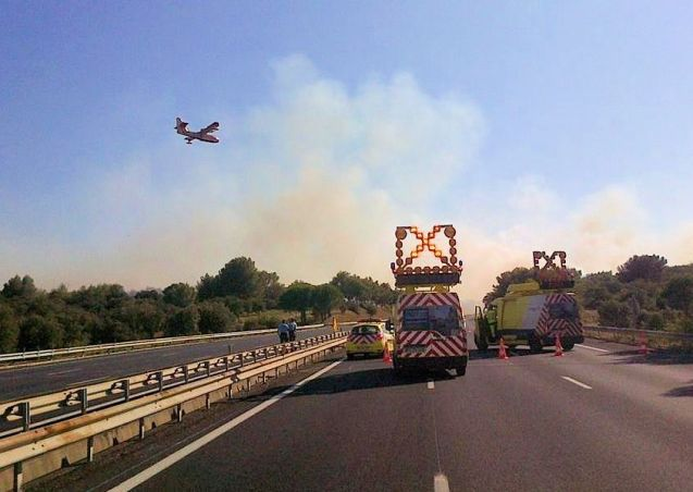 For the second day in a row, the A9 along the west Mediterranean coast in France closed yesterday afternoon after smoke from a nearby forest fire engulfed the carriageway. Fire fighters, including airborne crews, brought the flames quickly under control this time and normal service resumed within a couple of hours. With the region now under storm alert, this scenario is unlikely to play out for a third day. Meanwhile, a Geisterfahrer – wrong way driver – caused similar delays on the A2 into Hannover last night. Reports say the man, who unfortunately died, was driving a locally-registered Opel.