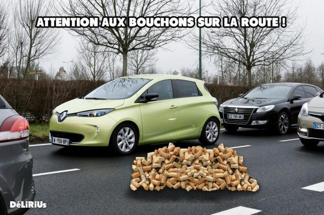 Beware plugs (jams) on the road! Photo via @Delirius_Fake