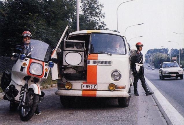 Belgian police in retro speed camera warning. More later.