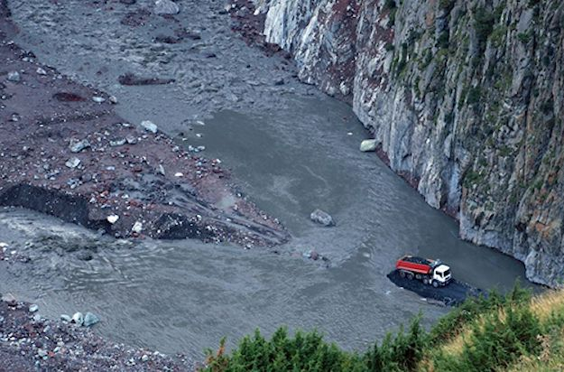 A landslide has cut off the Georgian Military Road in the Dariali Gorge for the second time in three months. More later.