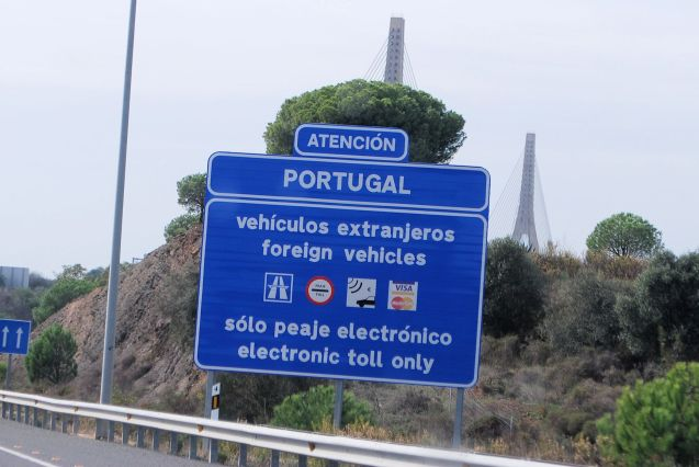 About to cross the Spain-Portugal border A-49/A22 at Vila Real de Santo Antonio. Photo @DriveEurope.