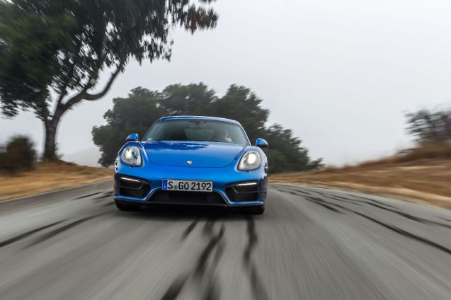 Hire a Boxster or Cayman GTS, or Macan S, all with PDK double clutch gearbox, for €69 per hour (100km), €179 for three hours (250km), €299 per day (500km), €499 for a long weekend (750km) or €1899 per week (1500km).
