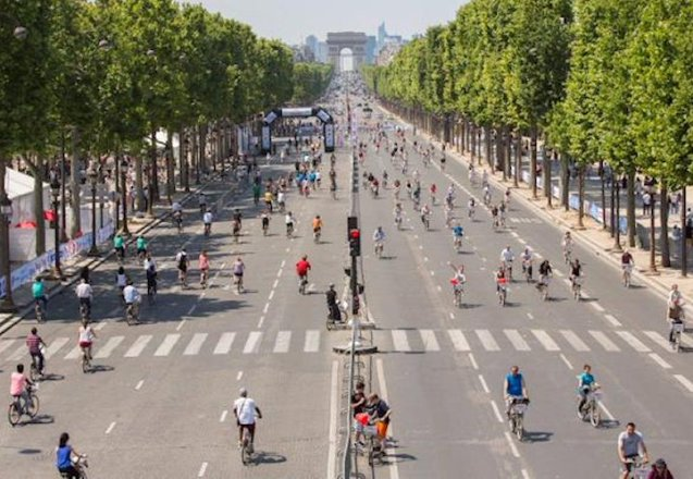 Paris will hold its first car-free Sunday on 26 September. More later.