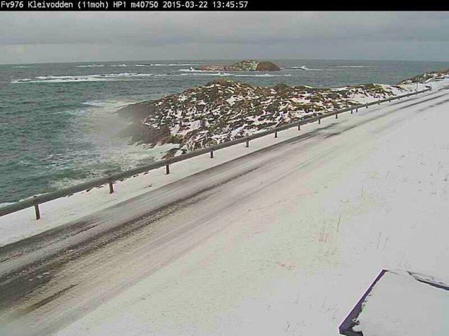 A bit of a racing line beginning to emerge on the Fv976 coast road on Andoya island in northern Norway this morning.