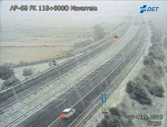 Unexpected but moderate snow in north east Spain this morning – pictured AP-68 Zaragoza-Bilbao via DGT.es - reminds that spring is not here yet. Up to 7cm of snow is expected over the next few days in the area, mainly above 1200m. Meanwhile, as Finnish police told drivers last week it is too early to change from winter tyres, their Luxembourg colleagues say exactly the same thing today. The law in the Duchy says winter tyres - or M&S marked all-season tyres - must be used in snow or ice conditions. In practice that means when temperatures are consistently above 7⁰C, in line with the O to O rule (October to Easter – Oktober bis Ostern). Already today there were ice warnings across northern France.