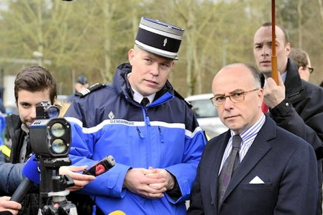 Interior minister Bernard Cazeneuve, right. Photo @Place_Beauvau