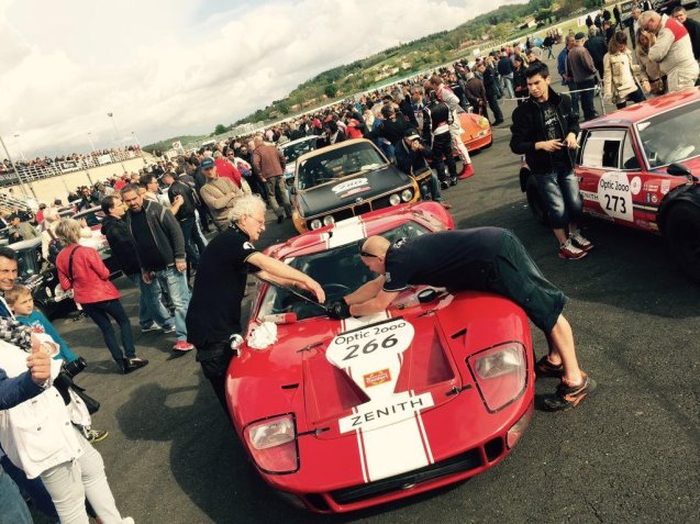266: Philippe Vandrome and Frederic Vivier in a 1967 Ford GT 40