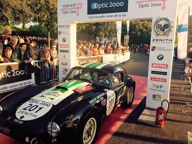 The 1963 Shelby Cobra 289 of second placed overall Ludovic Caron and Charles de Villaucourt at the finish in Toulouse.