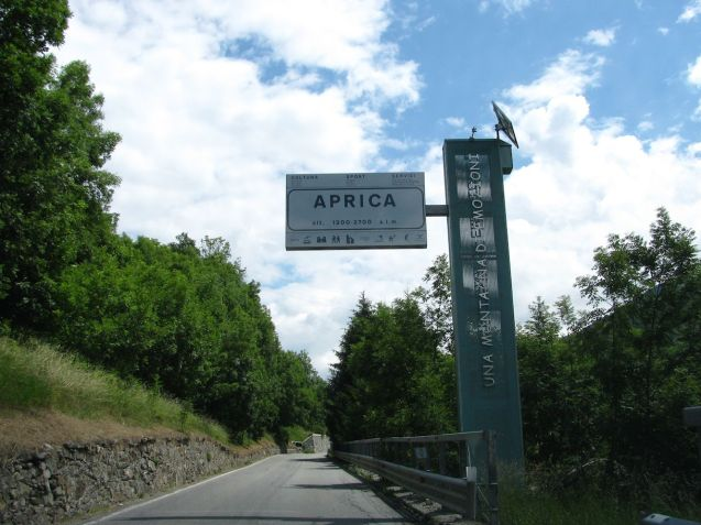 Aprica (1176m), along with Tonale and Mendola, see below, and east-west link between Tirano - at the bottom of the Bernina Pass from St Moritz, east Switzerland, to Bolzano.
