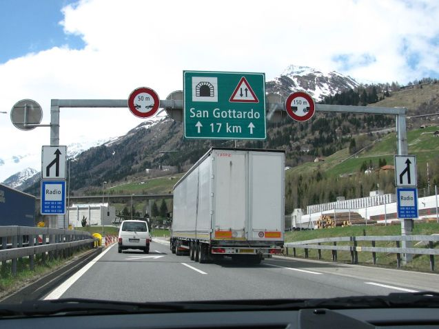 The southern approach tot he A2 Gotthard Tunnel in Switzerland. Photo @DriveEurope
