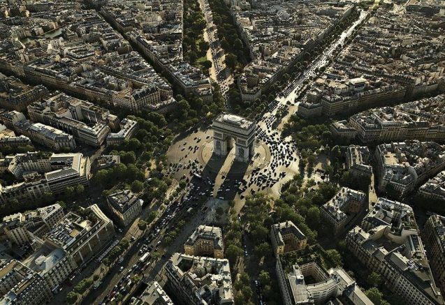 While we are away: Paris car-free day on Sunday 27 September. More later.