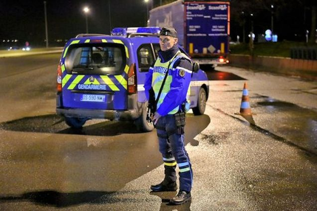 Back road border control France-Belgium photo via @Gendarmerie