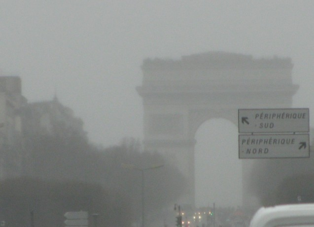 Paris fog, not smog. Photo @DriveEurope