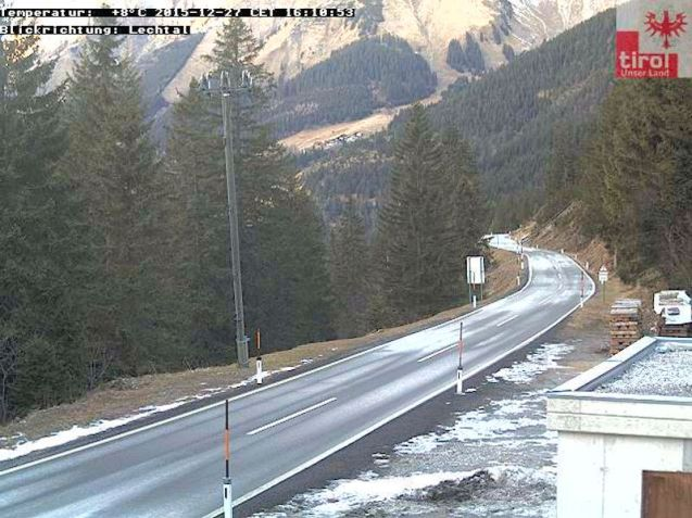Some ice patches, but Hahntennoch is still open. More at Tirol