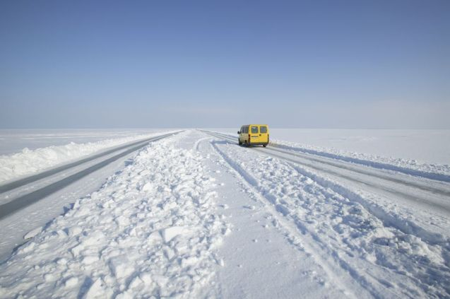 Estonia's first 'ice road' opened for the winter yesterday reports Estonian Public Broadcasting. It runs 3.9km between Haapsalu and Osterby on the Noarootsi Peninsula in the north of the country. Drivers must not wear seatbelts in case they have to bail out quickly, must not stop, must leave 250m to the vehicle in front, and must not drive between 16-25mph which might create a dangerous resonance in the ice layer. Estonia has Europe's longest ice road, 26.5km between Rohukula and Hiiumaa Island, set to open in the coming weeks. Photo Visit Estonia.