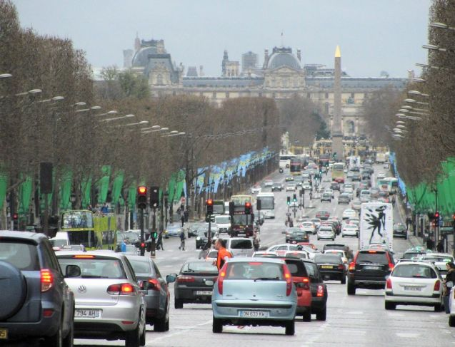 Paris traffic. Photo @DriveEurope