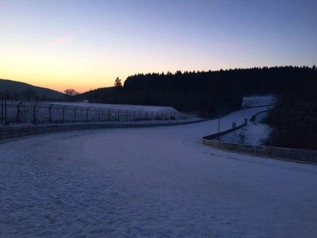 a beautiful sunrise, a snow covered Nordschleife and -10 degrees Celsius