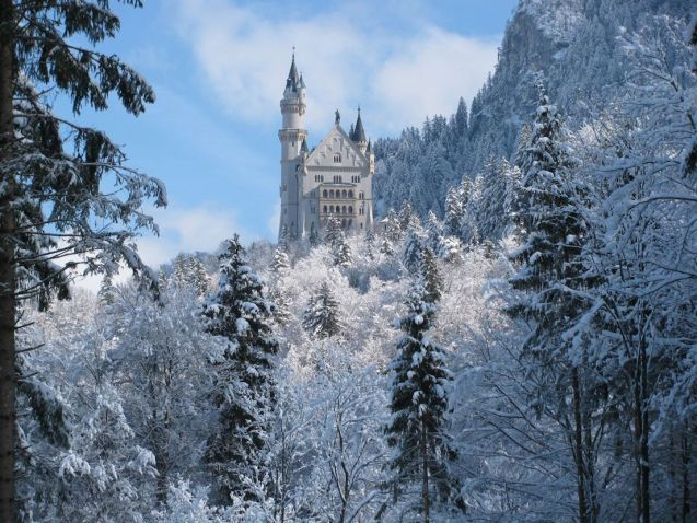 The fairy tale beautiful Neuschwanstein Castle – built by mad King Ludwig in – a few miles from Fussen at the top of Fernpass.