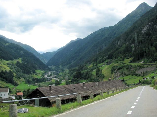 Looking down on Switzerland's A2 motorway, just north of the Gotthard Tunnel. Photo @DriveEurope